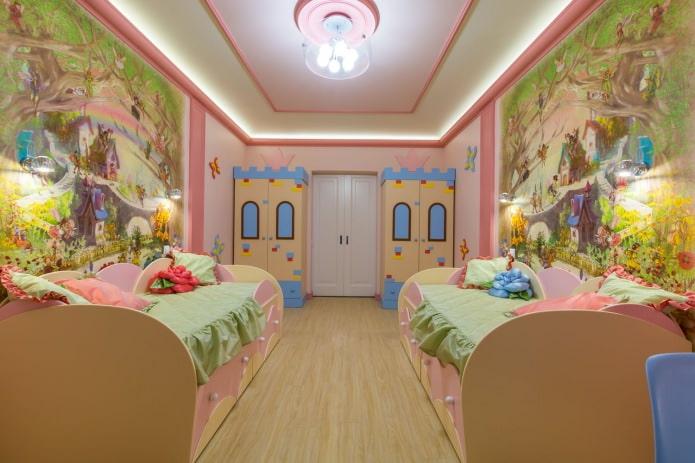 peintures murales dans la chambre des enfants pour une fille