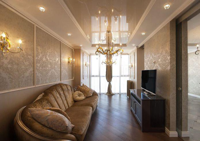 Papier peint sombre dans le salon dans un style classique
