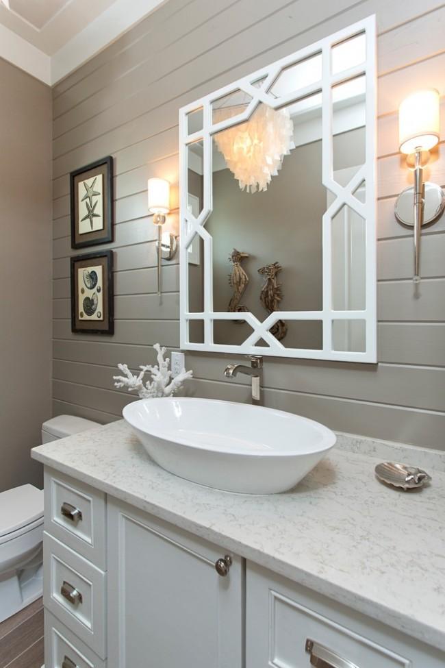 La doublure dans la décoration de la salle de bain est une option très pratique.