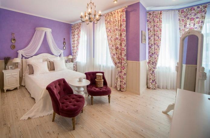 meubles à l'intérieur de la chambre dans le style provençal
