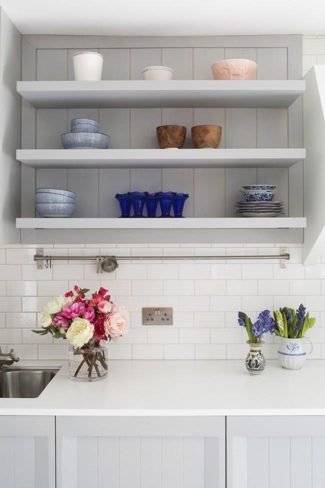 Le plus basique : rail droit moyen régulier avec crochets en S pour ustensiles de cuisine