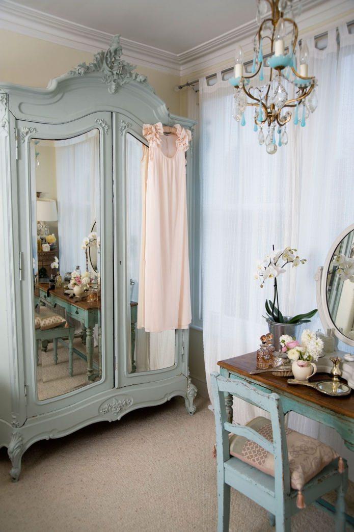 armoire vintage en miroir