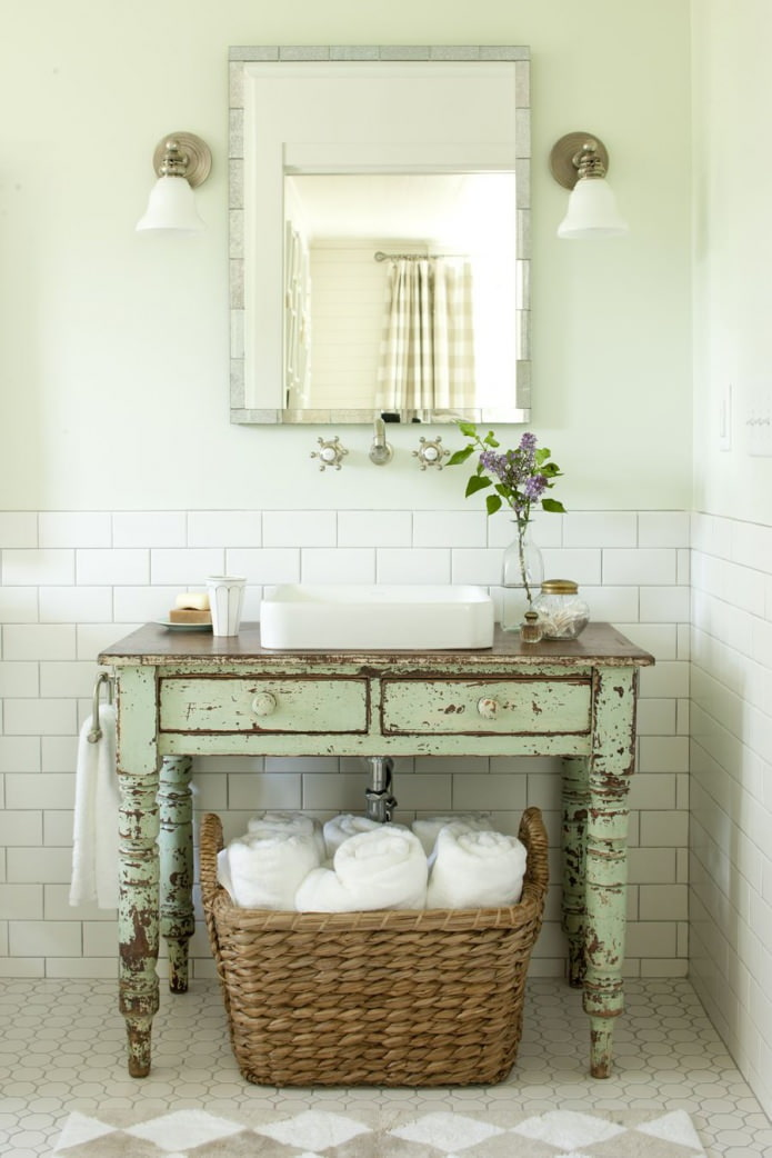 table de salle de bain ancienne