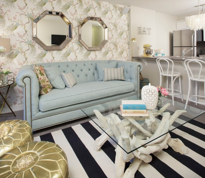 papier peint à motifs beige dans le salon