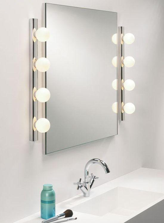 Grand miroir rectangulaire éclairé - idéal, surtout pour les femmes