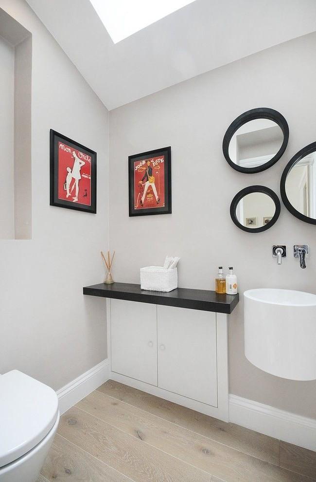 Le nombre de miroirs dans la salle de bain et leur design n'est limité que par votre imagination