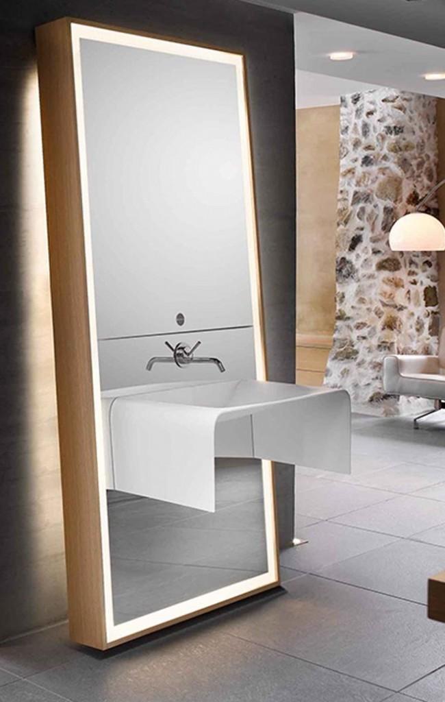 Évier installé directement dans la surface du miroir - une solution de conception incroyable
