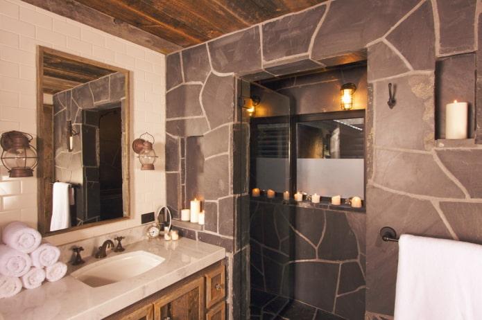 pierre sur le mur à l'intérieur de la salle de bain