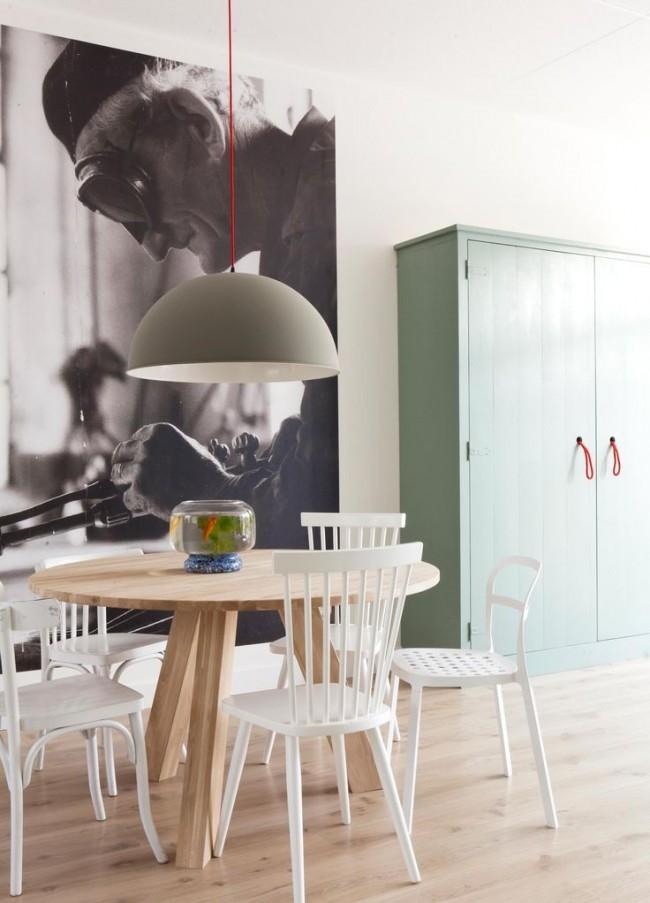 Photo rétro agrandie sur un mur d'accent dans la cuisine