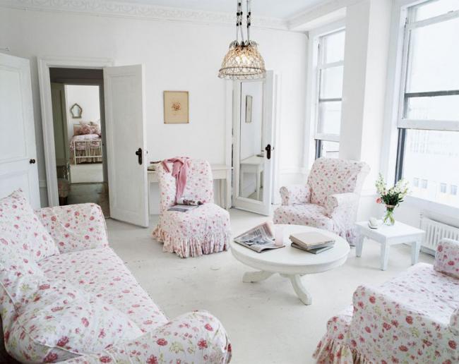 Les revêtements de meubles floraux ajoutent de la tendresse et de la légèreté