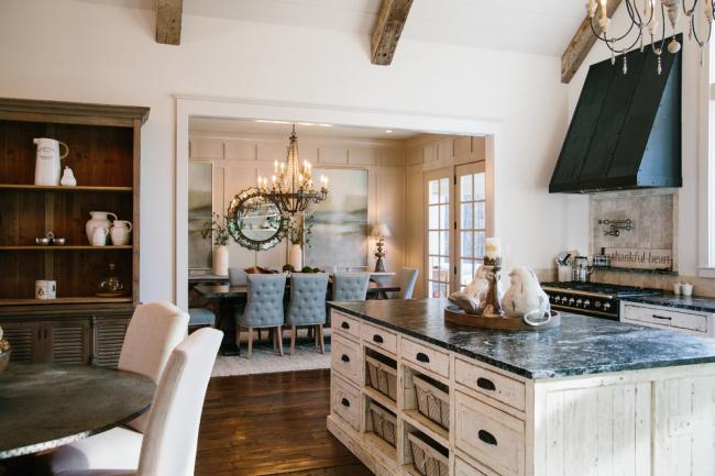Une maison privée est l'endroit idéal pour équiper une cuisine minable
