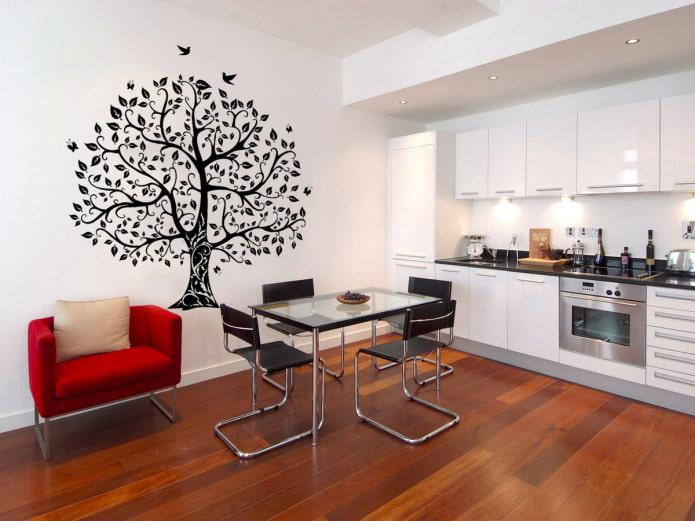autocollant décoratif sur le mur dans la cuisine