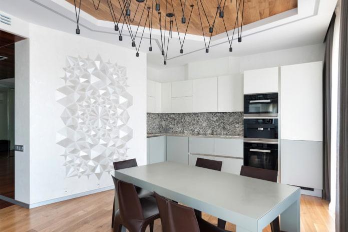 motifs en stuc sur le mur de la cuisine
