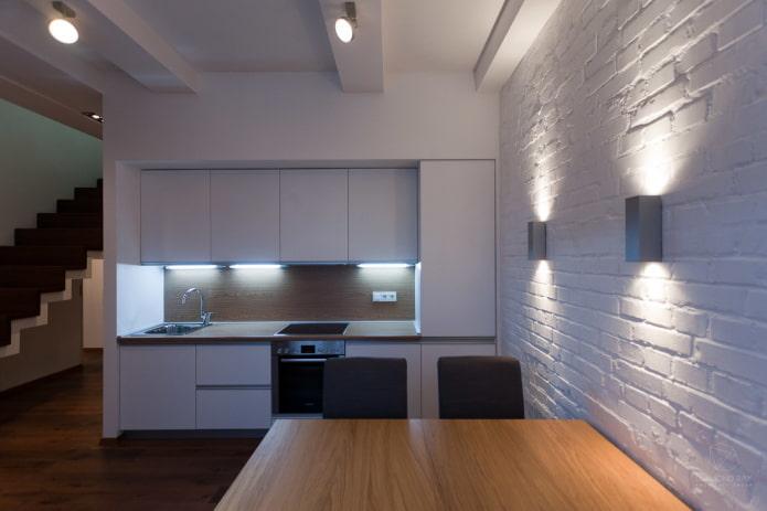 lampes sur le mur à l'intérieur de la cuisine
