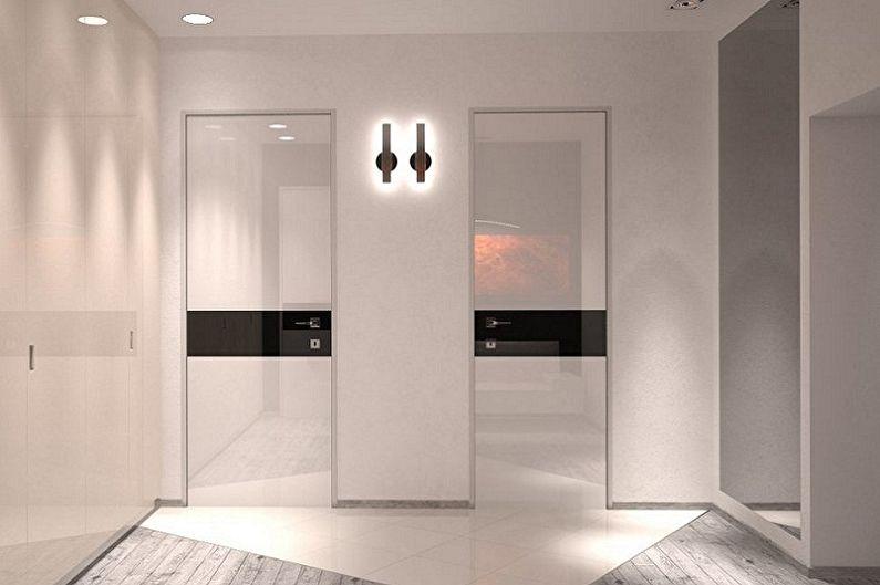 Portes blanches à l'intérieur - Décoration
