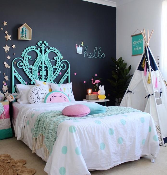 intérieur de chambre pour une fille de 9-11 ans
