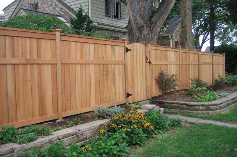 Types de clôtures en bois - Clôture verticale