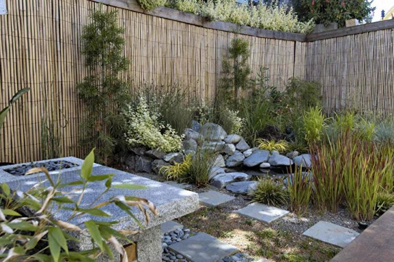 Types de clôtures en bois - Palissade