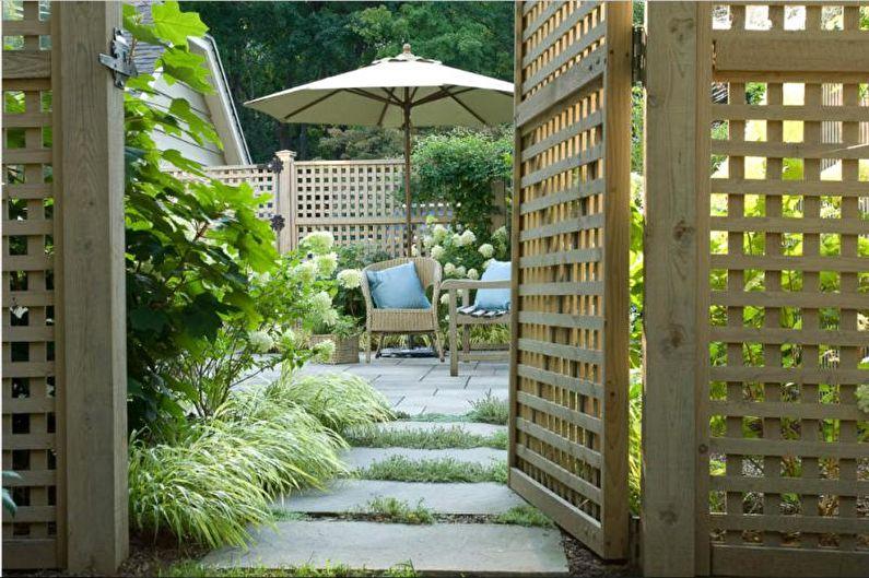 Types de clôtures en bois - Clôture en bois en treillis