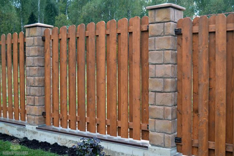Types de clôtures en bois - Clôture en bois d'échecs