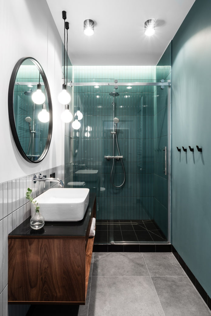 Salle de bain dans un style moderne