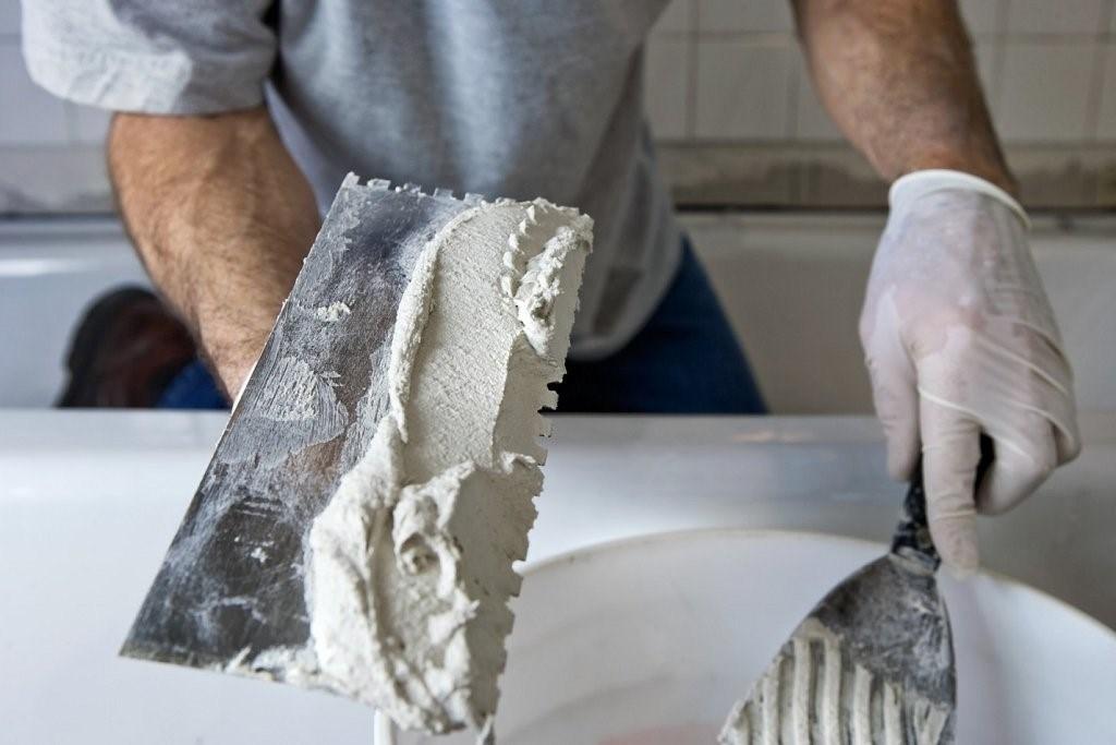 Des murs parfaitement plats vous aideront à appliquer la bonne finition