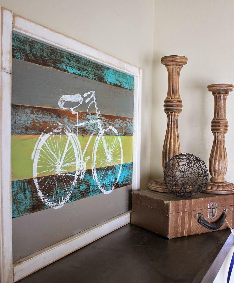 Image d'un vélo sur des planches décoratives