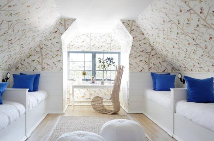murs en pente à l'intérieur de la pépinière