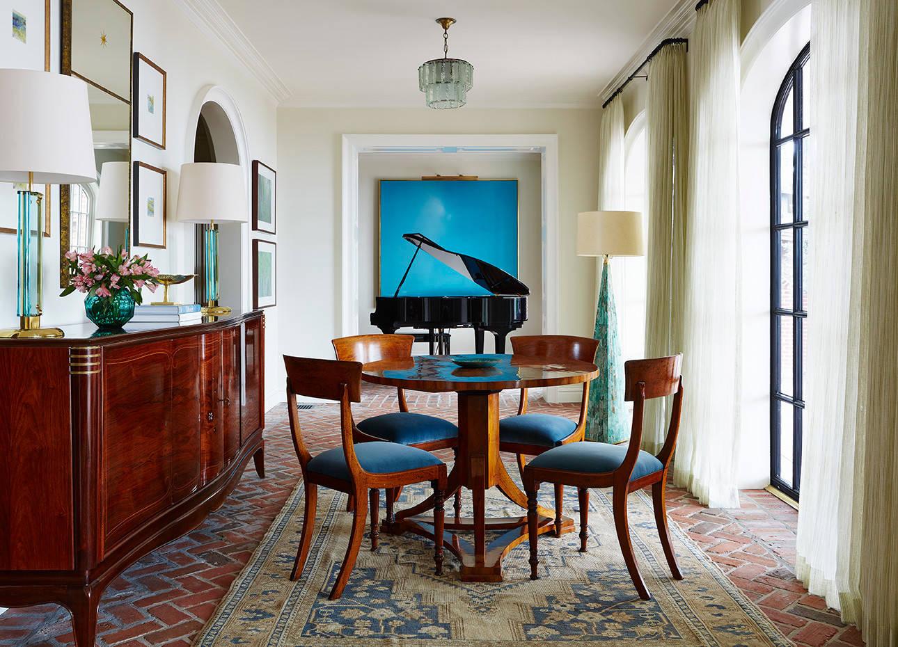 Les meubles en bois naturel ajouteront une touche de luxe à votre intérieur