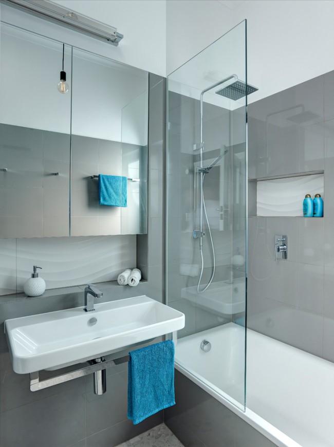 La combinaison d'une salle de bain et d'une douche contribuera à plaire à tous les locataires de l'appartement