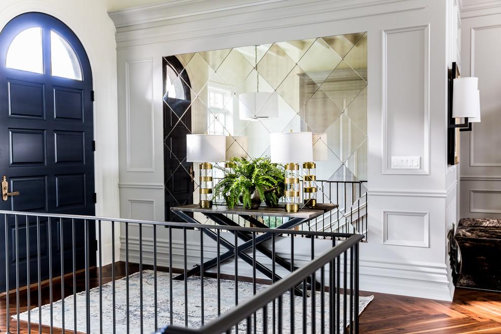 L'utilisation de carreaux de miroir à l'intérieur du couloir
