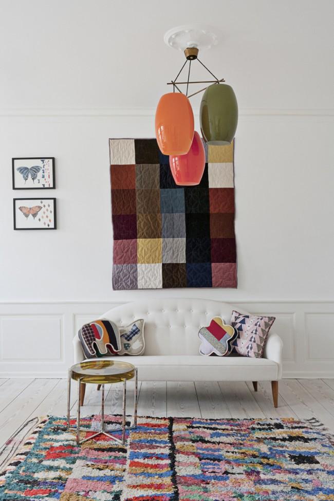 Variété de couleurs vives pour une pièce blanche