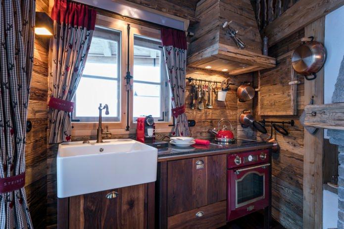 intérieur d'une cuisine en bois compacte