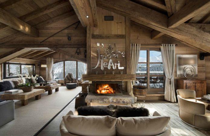 maison en bois à l'intérieur
