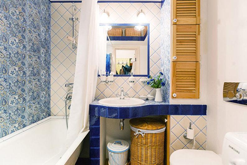 Conception de salle de bain à Khrouchtchev - style provençal