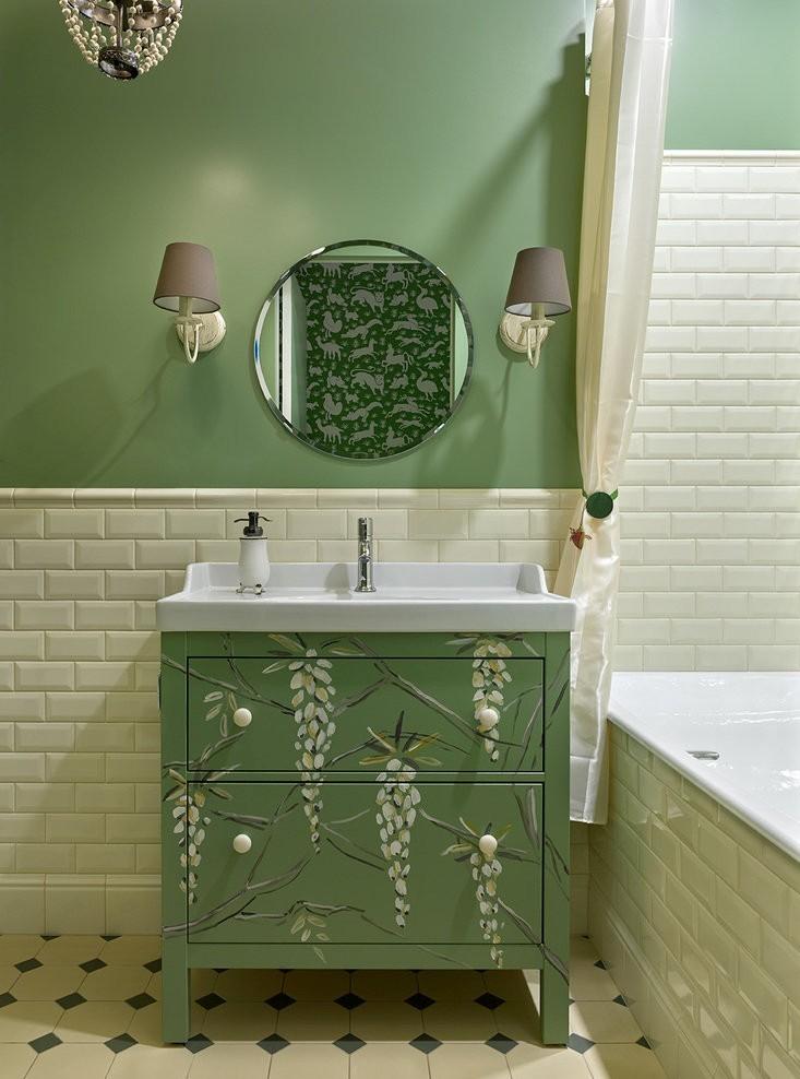 Conception de salle de bain à Khrouchtchev - couleurs pastel