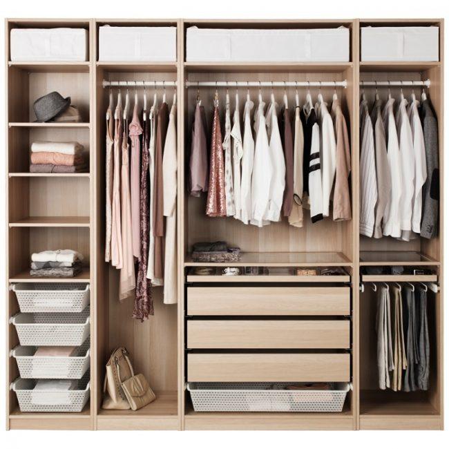 Remplissage des armoires coulissantes: photo avec dimensions et répartition compétente des objets dans le placard par longueur et fréquence d'utilisation