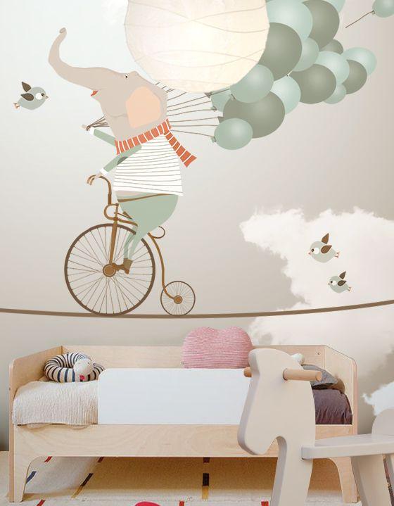 Les photos murales avec des personnages rigolos sont idéales pour une chambre d'enfant à partir de 3 ans