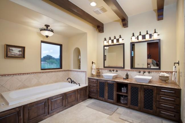 L'option idéale est lorsque l'éclairage naturel et artificiel est mis en œuvre dans la salle de bain.