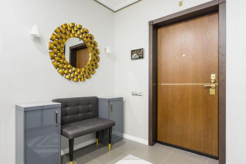 L'aménagement du couloir dans un style moderne