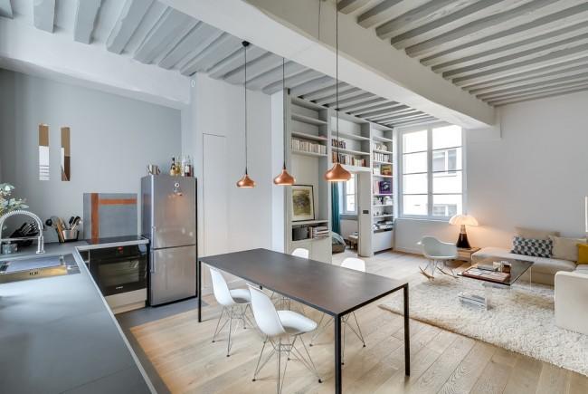 Studio moderne et confortable en blanc