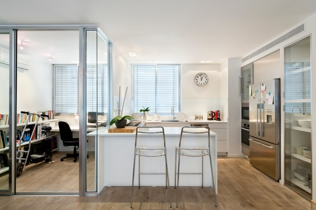 Les miroirs à l'intérieur feront parfaitement face à une augmentation visuelle de la superficie de l'appartement