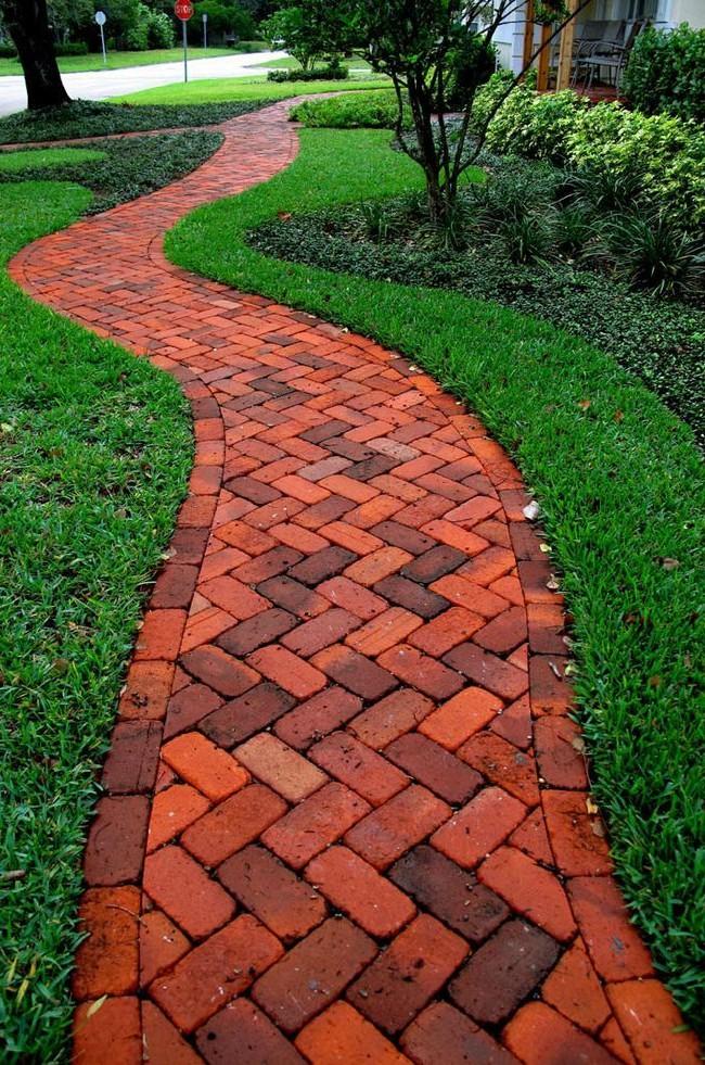 Chemin de brique - beau, mais de courte durée