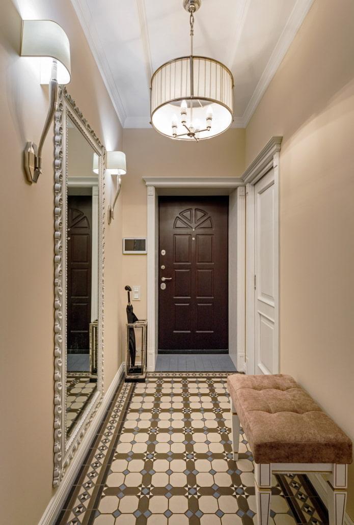 couloir en blanc et beige