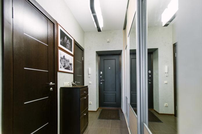 couloir étroit avec une bordure