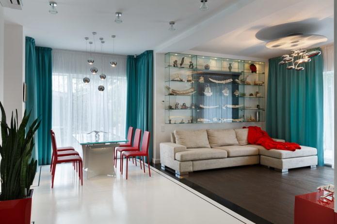 rideaux de couleur turquoise à l'intérieur