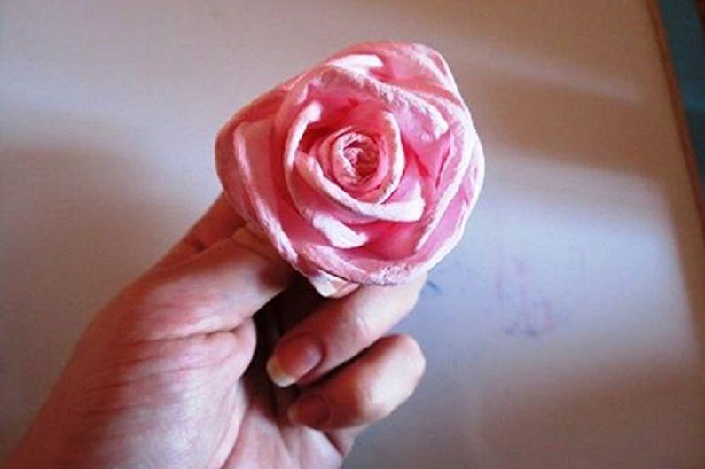 Fleurs de serviette DIY - Fleur rose délicate