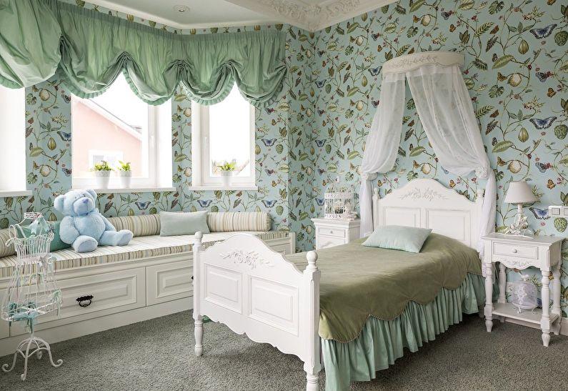 Petite chambre d'enfant dans les tons verts