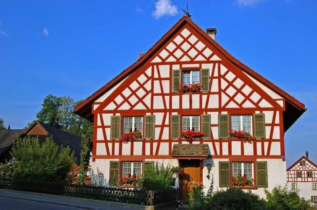Les maisons à colombages allient légèreté, élégance et en même temps sont des habitations durables, fiables et chaleureuses.