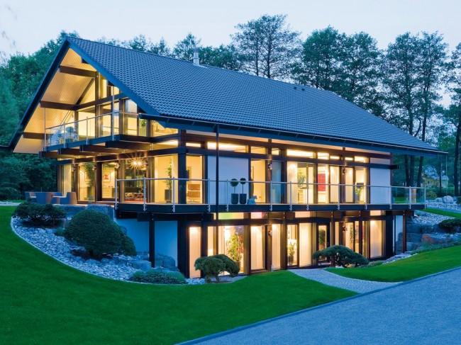 La façade tout en verre est très impressionnante et sophistiquée